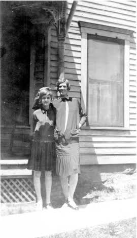 Doris Lillian Francis (Ann Brownlee's mother) and Emma Christina Lillian, 1927, Brookfield Missouri