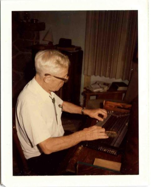 Paul Grimm playing the zither